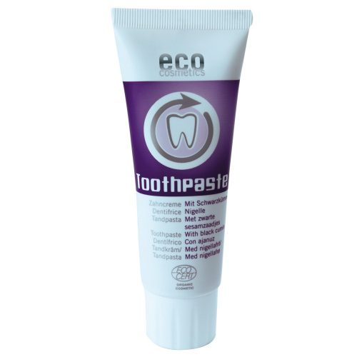 A pasta de dentes é enriquecida com sálvia e chá verde que limpa os dentes completamente e previne o aparecimento de cáries e placa dentária.