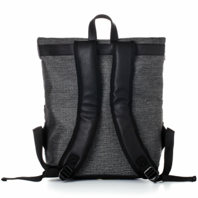 the-essential-backpack (2)