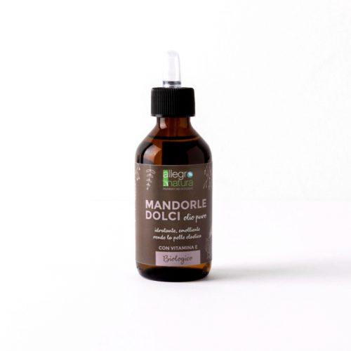 O óleo de amêndoas doces é eficaz no combate às estrias devido à sua elasticidade. Este óleo é uma ótima alternativa ao leite de limpeza.