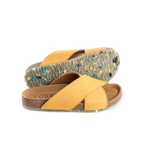 As sandálias Mustard Sun são feitas em algodão orgânico, sola de cortiça para um elevado conforto e borracha natural com o plástico recolhido.