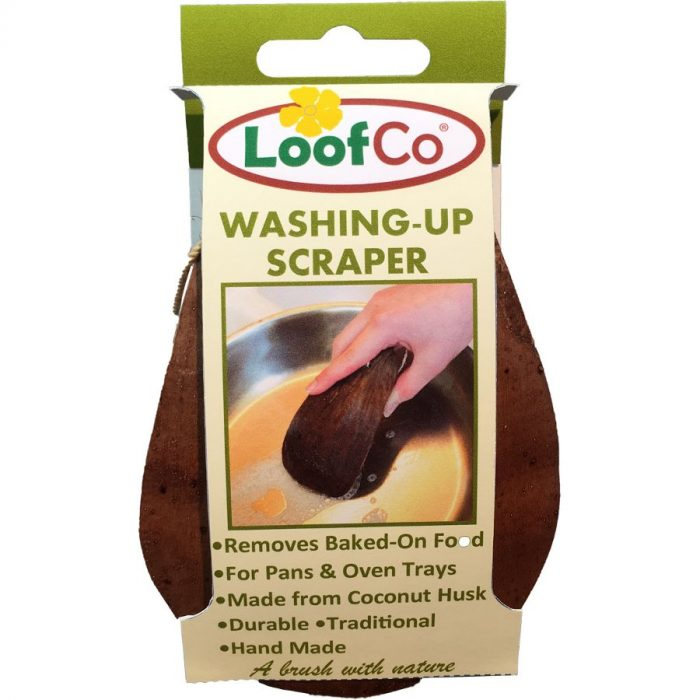 Raspador para a loiça da LoofCo feito à mão com casca de côco é uma alternativa ao plástico para esfregar a loiça. Produzida no Sri Lanka de forma justa.