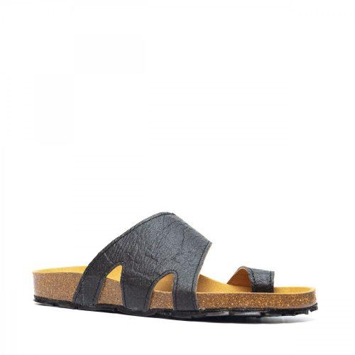 As sandálias DAROS PIÑATEX são unissexo com tira de dedo em piñatex, um material feito a partir das fibras das folhas do ananás.