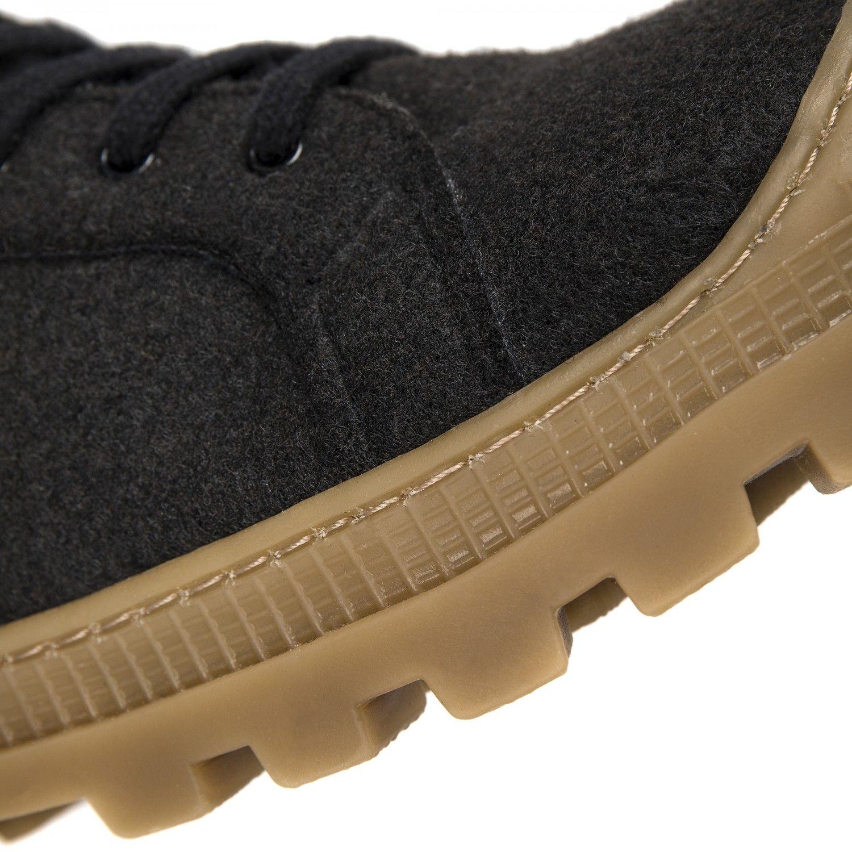 As Noah PET são umas botas pretas em PET Reciclado (garrafas de plástico recicladas).