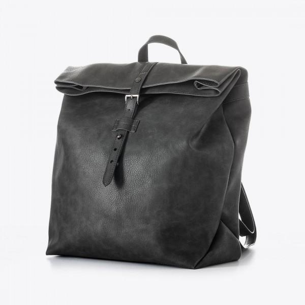 A mochila penelope é uma mochila minimalista e moderna que oferece espaço suficiente para transportar seus itens essenciais.