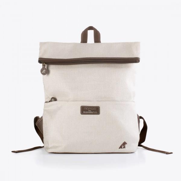 Funcional e com um lindo design citadino, a mochila leonardo é feita de materiais cruelty-free. Forro com garrafas de plástico recicladas