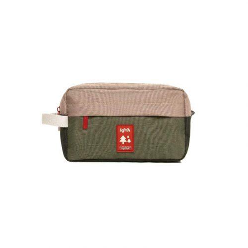 A bolsa Lithe Kimoa é impermeável pelo que poderá ser utilizada para guardar os seus produtos de higiene. O acessório perfeito!