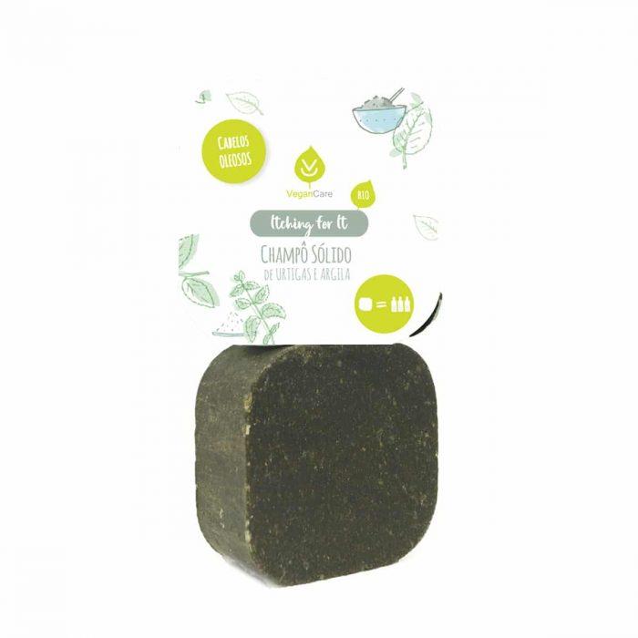 O champô sólido de urtiga & argila foi especialmente desenvolvido para cabelos oleosos. Vegano, biodegradável e produzido em Portugal.