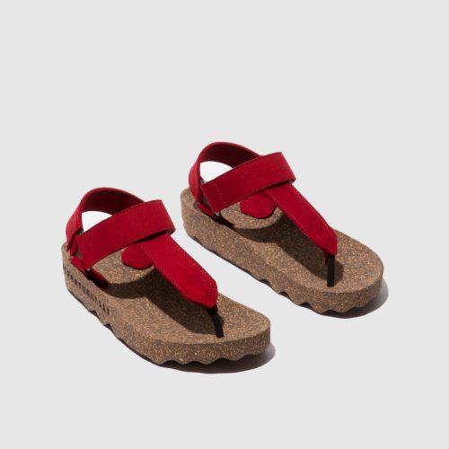 Sandálias fizz, em vermelho, com sola em cortiça, em microsuede e forro em microfibra. São sandálias versáteis e sustentáveis!