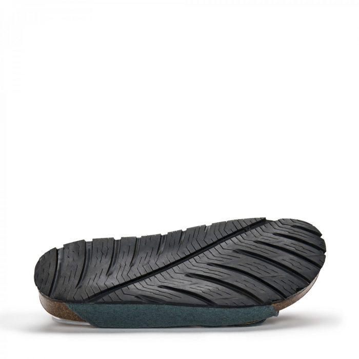 O modelo DARCO GREEN PET são sandálias unissexo em PET reciclado, feito de garrafas de plástico pós consumo recicladas.