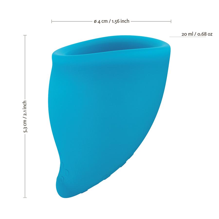 Copo menstrual, tamanho A, desenhado com uma forma anatomicamente mais correta para maior conforto. Inclui bolsa de transporte.