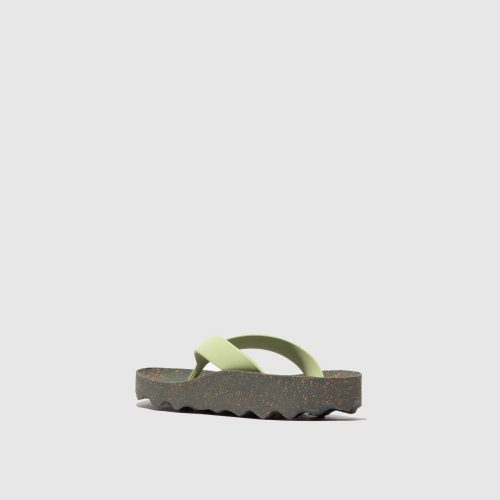 Os chinelos feel, em cinza, são uns chinelos femininos feito em borracha natural e cortiça. Naturais, versáteis e sustentáveis!