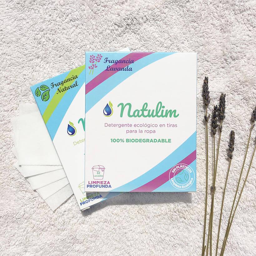 O detergente para a roupa em tiras, da Natulim, é ultraconcentrado e lava a sua roupa com apenasuma 1 tira - sem gerar desperdício!