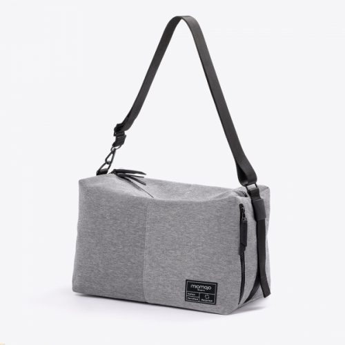 Faça uma declaração de mudança e inovação e abrace o seu novo normal com a mala beatrice, uma mala compacta e unissexo.