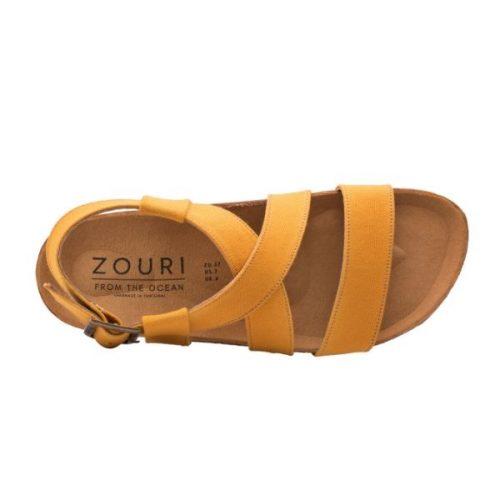 As sandálias Mustard Sand são feitas em algodão orgânico, sola de cortiça para um elevado conforto e borracha natural com plástico recolhido.