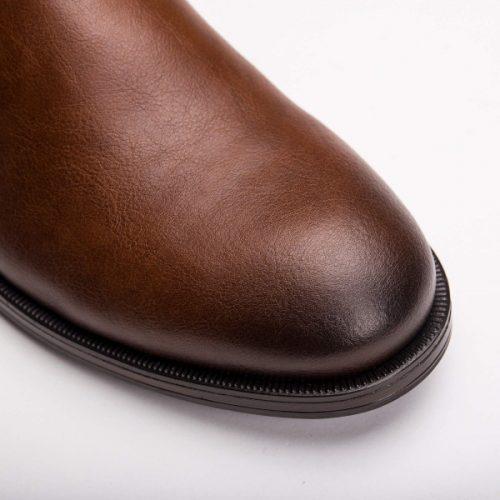 As Basti Micro são umas botas vegan de cano baixo, feitas em couro vegan. Cuidadosamente fabricado em Portugal.